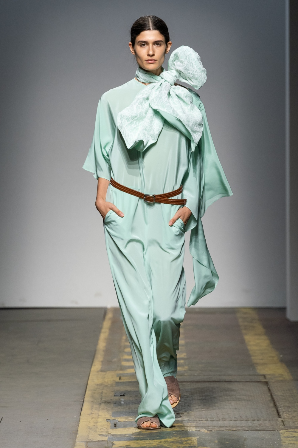 LOOK 1. BAV TAILOR_WION 2019_SHAKTI LEAF JUMPSUIT_aquamarine